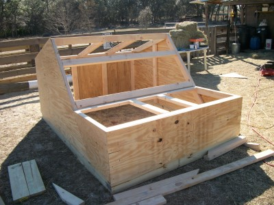Farrowing Hut Construction
